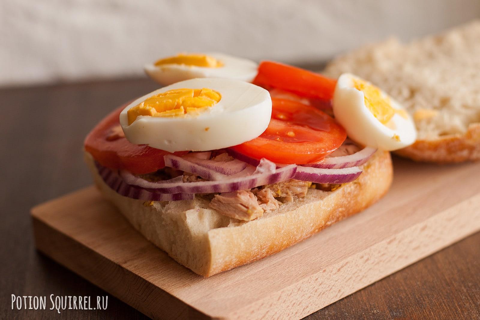 """Отличный сэндвич с тунцом по имени """"Томпсон"""""""