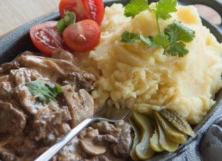Беф-строганов — по-настоящему королевское блюдо. Попробуйте царскую пищу с рецептом от PotionSquirrel.ru
