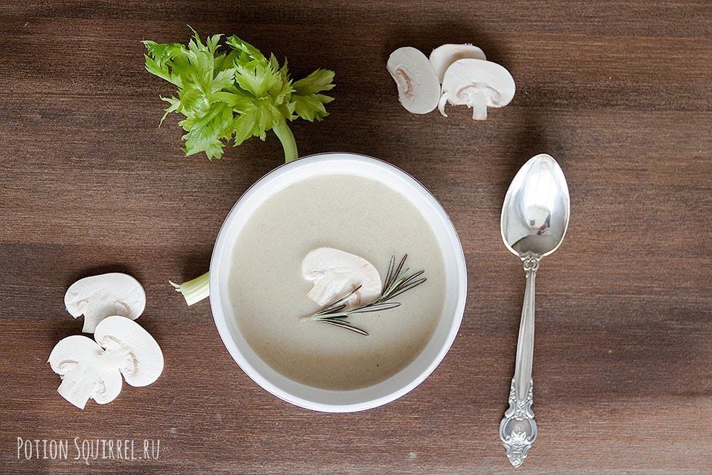 Aromatic mushroom cream soup, a recipe and a photo from potionsquirrel.ru