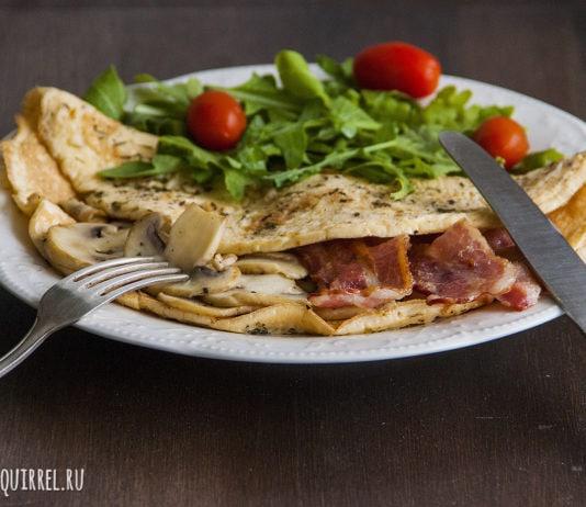 Отличный завтрак из омлета с грибами и беконом от potionsquirrel.ru