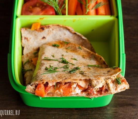 Ланч из кесадильи с курицей и свежих овощей от potionsquirrel.ru