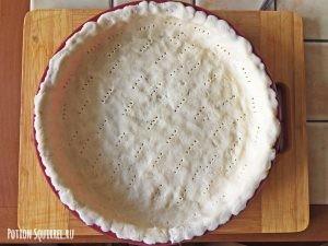 Пирог с вишней: делаем основу в форме для выпечки