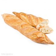 Crispy baguette in addition to dishes