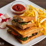 Сэндвич с курицей и моцареллой