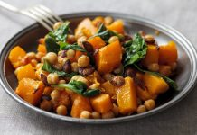 Salad from a baked pumpkin with chickpeas and spinach. Simple and delicious recipe from potionsquirrel.ru