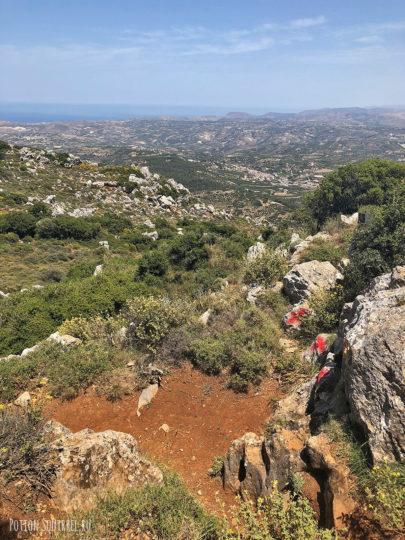 Юхта, Крит