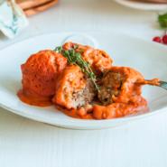 Веганские мясные шарики из чечевицы в томатном соусе