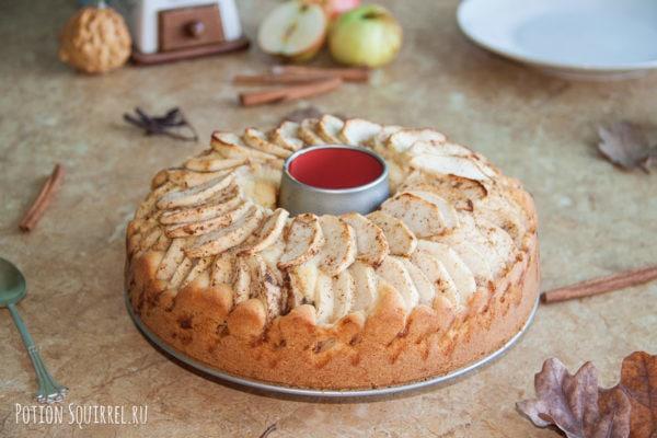 Красавец-пирог с яблоками по рецепту от potionsquirrel.ru