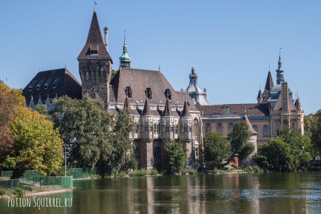 Будапештский замок Вайдахуняд в Венгрии: подробное описание, часы работы и стоимость билета