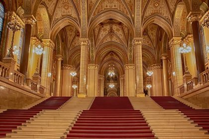 Венгерский Парламент внутри -3