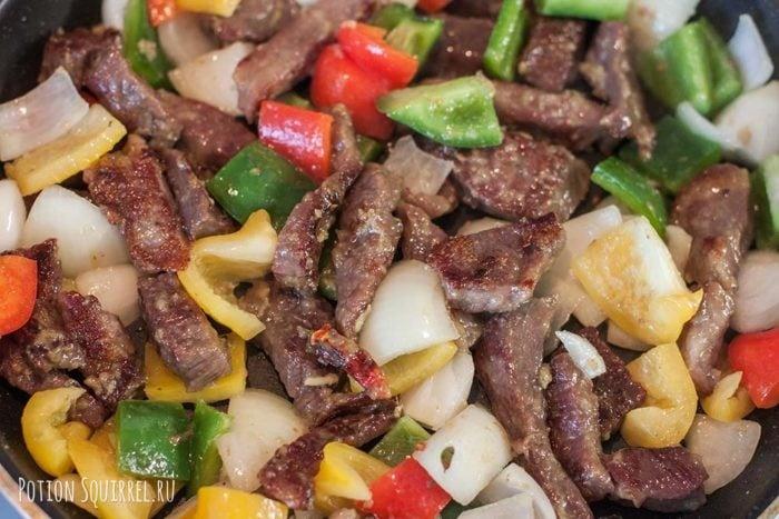 Говядина по-монгольски: обжарить овощи рецепт potionsquirrel.ru